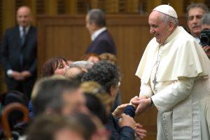 Papa: siano rimosse cause dolorosa piaga profughi-rifugiati