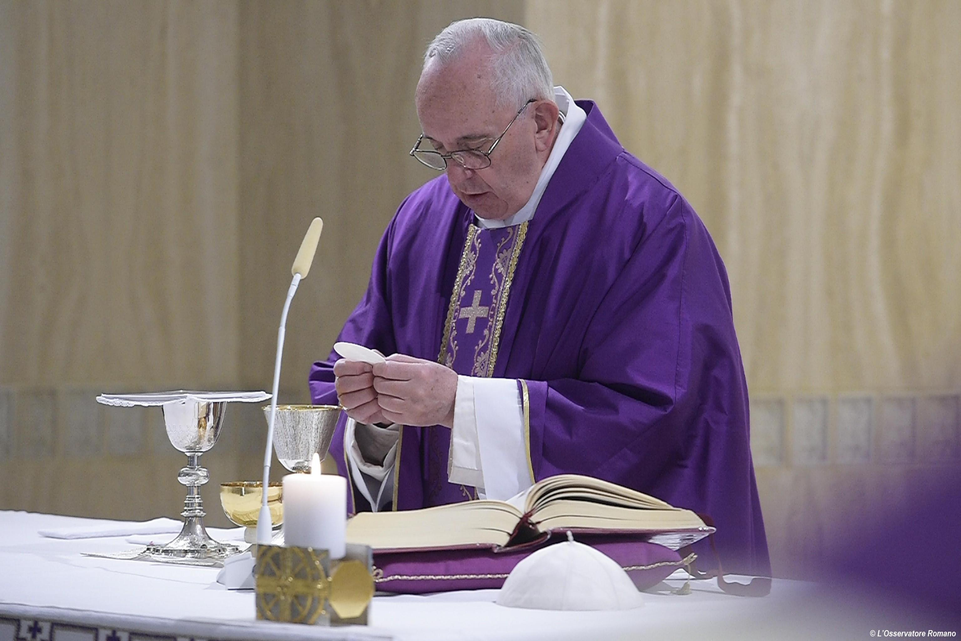 Papa Francesco celebrerà messa per Padre Hamel