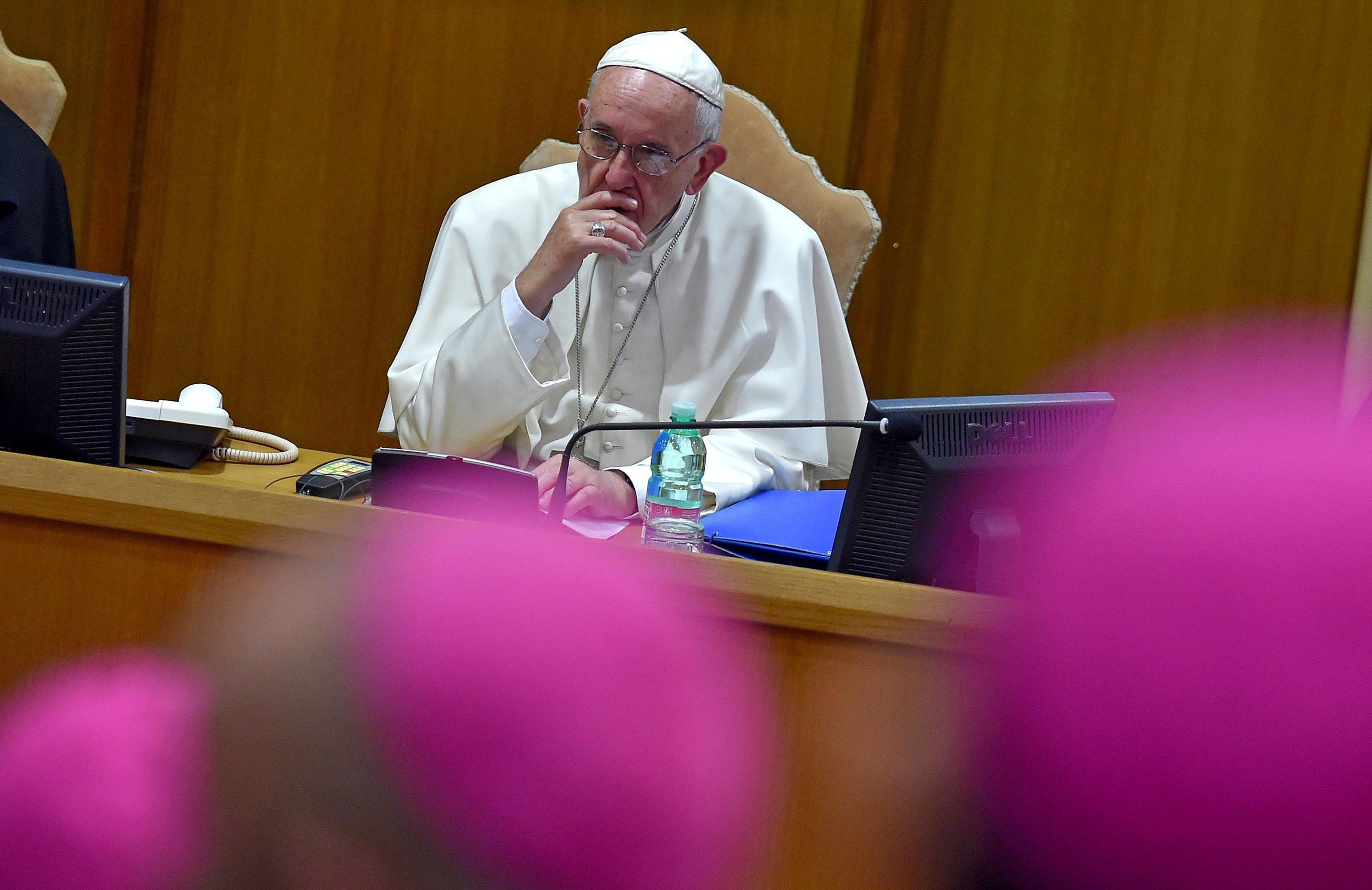 Il Papa proclama santi Francesco e Giacinta, pastorelli di Fatima